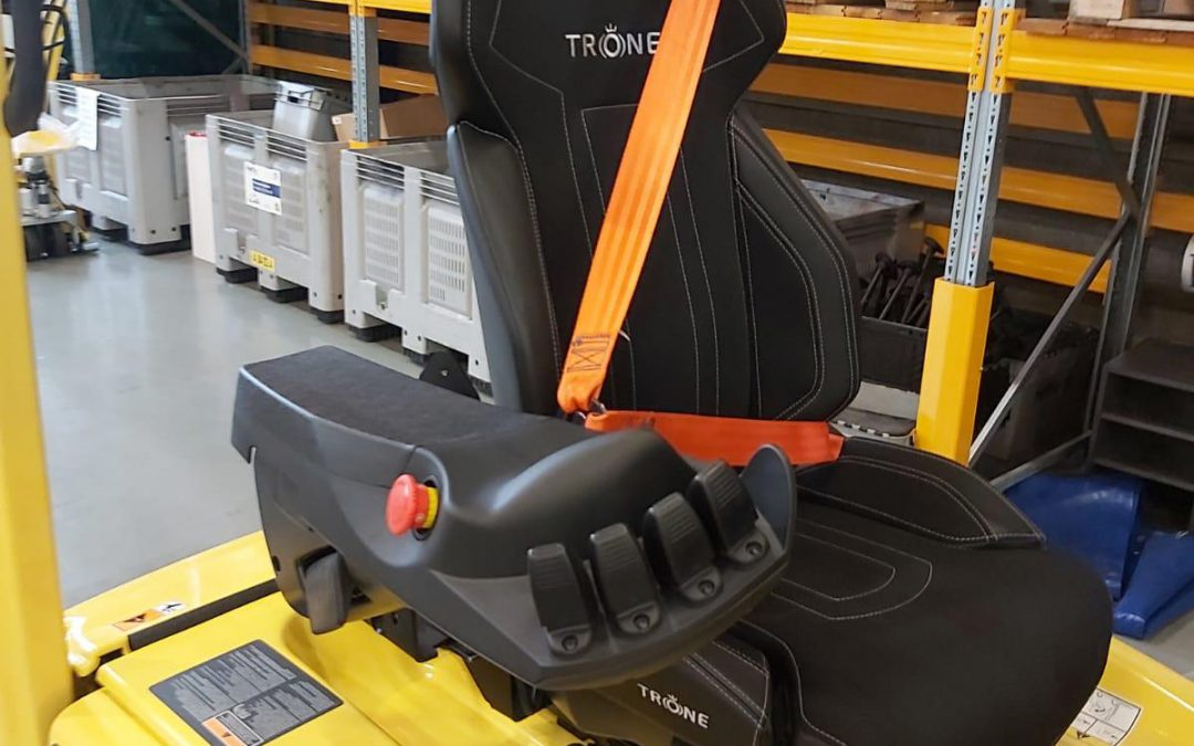 Drive safer forklift with the 3-point seat belt (Veiliger heftruck rijden met de 3-puntsgordel ENG)